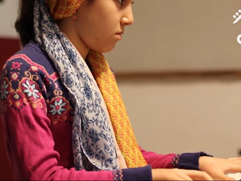 هنر نمایی پدر و دختر در آموزشگاه صدای مهرورزان