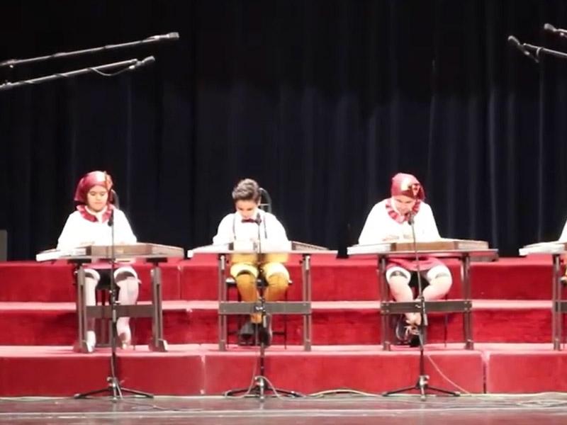 سنتور نوازان فانوس در جشنواره نوای خرم