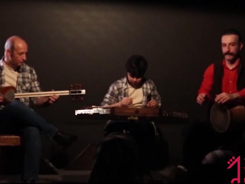 هنرنمایی پدر و پسر در کنسرت سنتور نوازان صدای مهرورزان